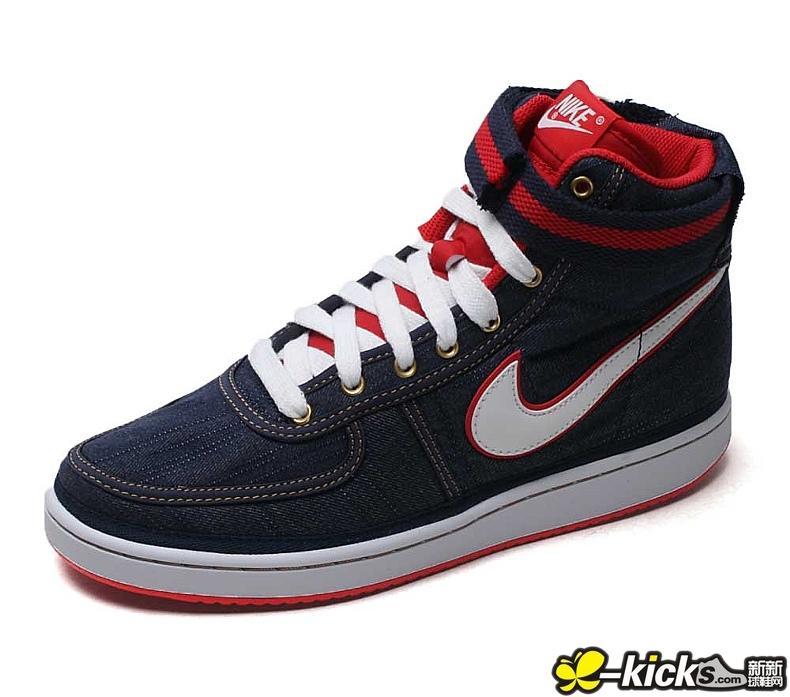 supreme鞋子